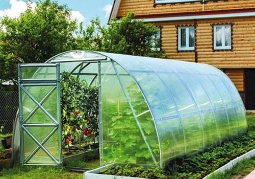 Polükarbonaadist kasvuhooned